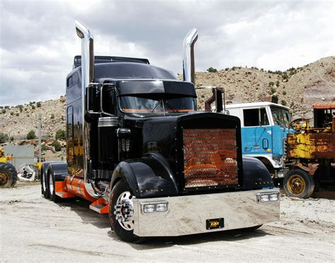 trucking companies with kenworth w900 10 4 magazine for today s trucker