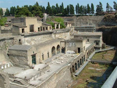 herculaneum or pompeii which is better pompeii herculaneum tour