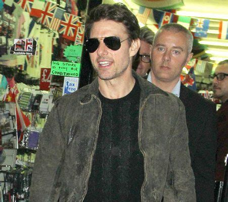 Tom Paid 600 Million To Be His by Tom Cruise Fails To Pay For His 163 220 Curry Dinner In St