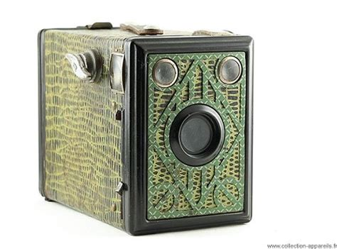 behold a beautiful archive of 10,000 vintage cameras at