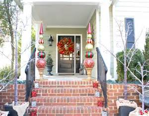 Dog Topiaries - holiday home tours leslie willett bright bold and beautiful