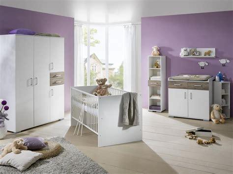 babybett komplett im schlafzimmer ideen babybett babyzimmer komplett kinderwagen wickelkommode