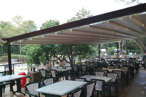 pergolati per terrazzi coperture scorrevoli per pergole pergole in alluminio