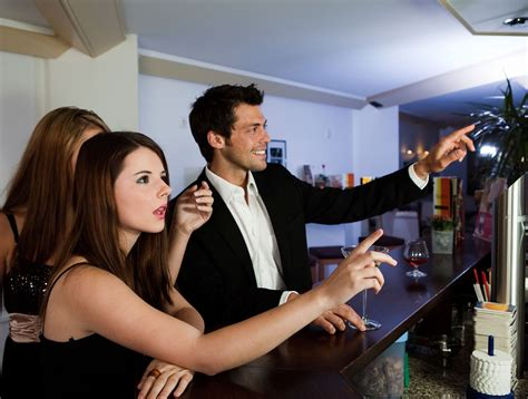 top drinks to order at a bar 13 things your bartender won t tell you slideshow