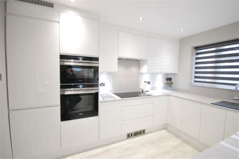 scavolini modern kitchen dark wood glossy white lacquer white gloss j pull contemporary kitchen with light grey