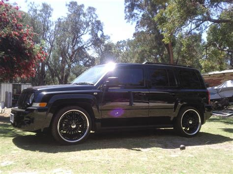 lowered jeep lowered jeep patriot imgkid com the image kid has it