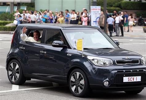 Kia Tour Korea Pope Picks Kia Soul As Korea Limo Kia News