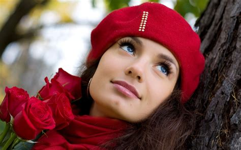 wallpaper girl in cap in the red cap with roses wallpapers and images