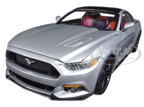 2017 ford mustang gt 5 0 silver limited 1002pc 1 18 model