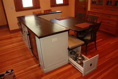 Custom Kitchen Islands With Seating portfolio of work