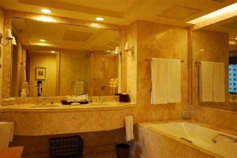 5 star hotel bathrooms pictures decent 5 star hotel bathroom needs upgrading conrad