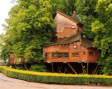 garden haus kaufen baumhaus erdhaus buchen romantikreisen familienurlaub