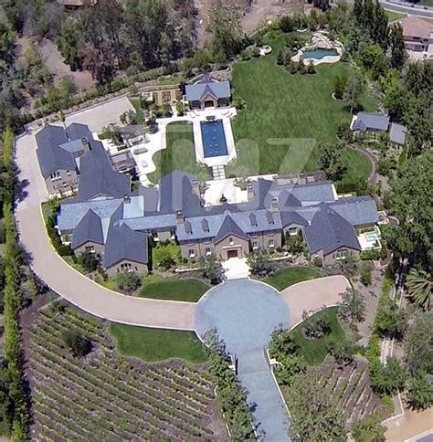 kim kardashian and kanye west s new house in calabasas kim kanye s hidden hills home photo 1 tmz com