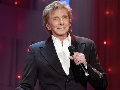 barry manilow she s a barry manilow performs at clive davis grammy after