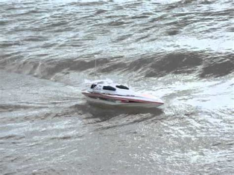 offshore boat fails blue streak syma 7008 racing rc speed boat riding swanage