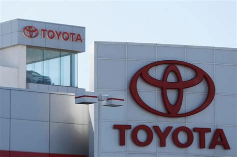 Toyota Financial Services Canada Login Toyota To Test Self Driving Talking Cars By About 2020