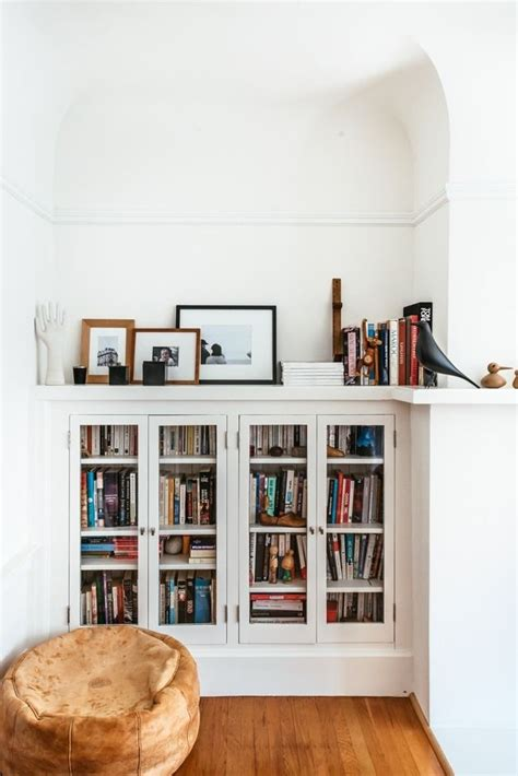 built in bookcase ideas 25 best ideas about built in bookcase on