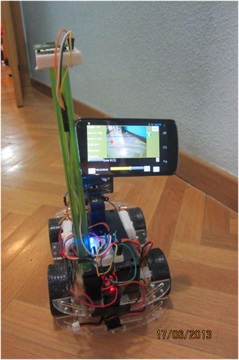 Penyangga Smartphone Si Robot Android robot aut 243 nomo controlado con tel 233 fono android bricogeek