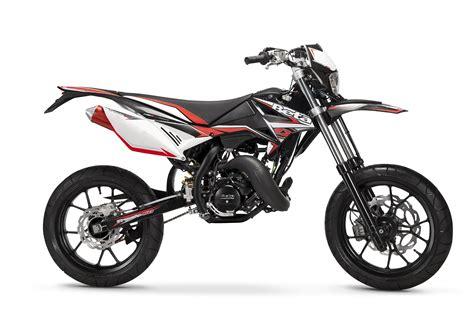 50ccm Motorrad Supermoto by Derbi Piaggio Vespa Fahrzeuge