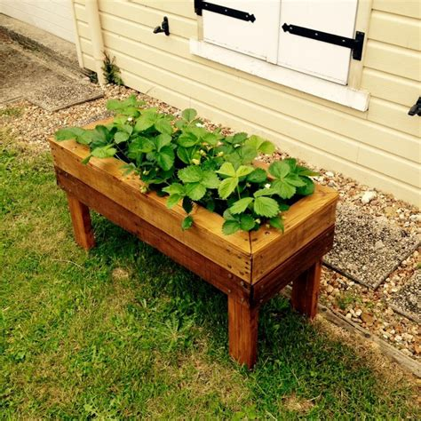 planters made from pallets planter boxes made from wooden pallets pallet wood projects