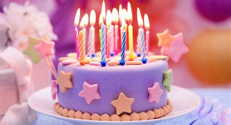cara membuat kue ulang tahun bentuk love kreatif dan spesial ini cara membuat kue ulang tahun