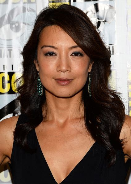 wen for short hair ming na wen s soft waves haute hairstyles for women over