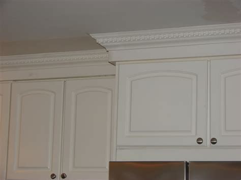 kitchen cabinets molding ideas awesome 50 kitchen cabinet top molding design ideas of