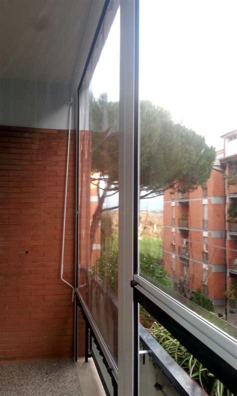 tende da sole e pioggia per balconi foto tende antipioggia in pvc trasparente con guide