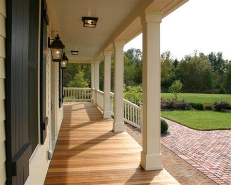 The Decorative Top Of A Column by 25 Best Ideas About Porch Columns On Front