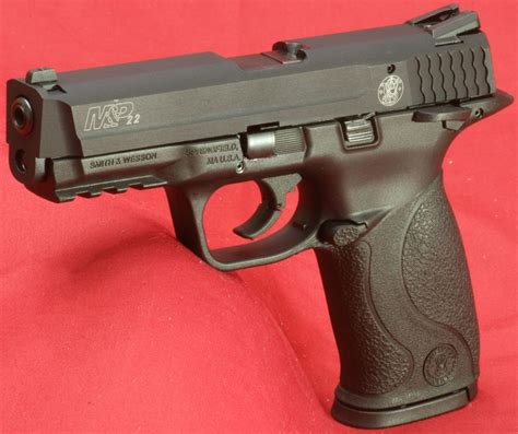 Smith & Wesson M&P22 Review: Part 2   What's In The Box