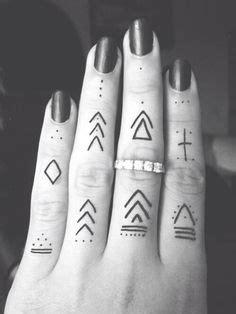camo tattoo helsinki henna finger tattoo tumblr google search tats