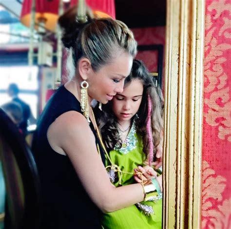 fotos de thalia y su hija sabrina 161 qu 233 grandes thal 237 a presume a sus hijos sabrina y