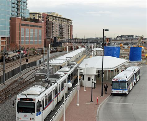 denver light rail stops file denver union station light rail 2011 jpg wikimedia