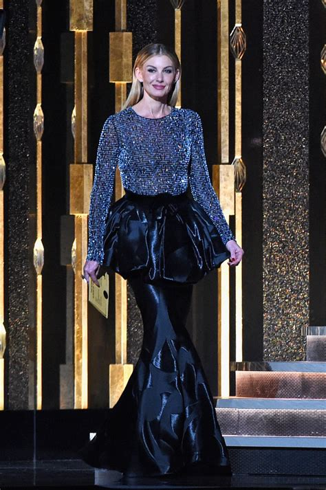 Faith Hill Freaks Out At Carrie Underwood Win by Faith Hill In The 50th Annual Cma Awards Show Zimbio