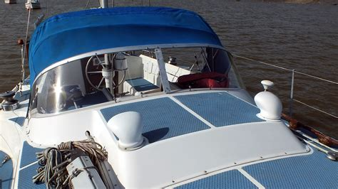 boat windshields uk replacement boat windows and hatches nu sign marine