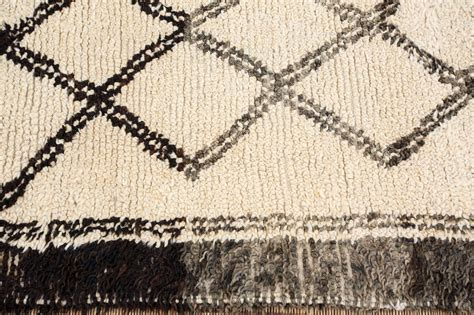 white moroccan rug moroccan beni ouarain white rug at 1stdibs