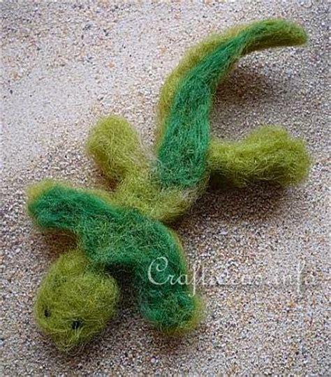 felt lizard pattern felting craft crawling felt lizard