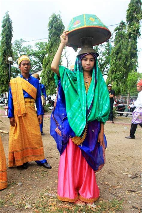 Baju Bodo Bima kain dan sarung menjadi baju adat khas sumbawa indonesiakaya eksplorasi budaya di zamrud