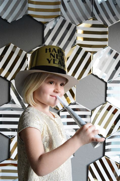 new year 2015 diy diy new year s photo booth backdrop honest to nod