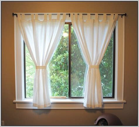 curtains on windows 17 best ideas about short window curtains on pinterest
