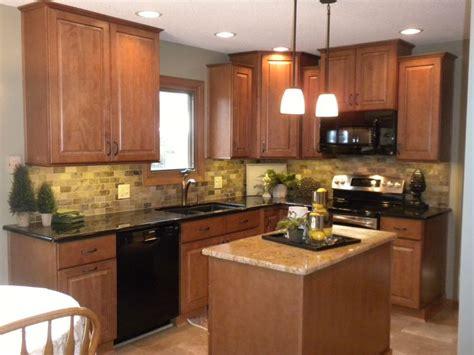 honey cabinets kitchen best 25 honey oak cabinets ideas on pinterest painting