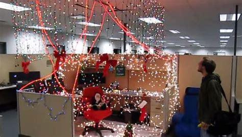 how to decorate a bureau for christmas in a tiny cottage a no 235 l les concours de d 233 co envahissent les bureaux mode s d emploi
