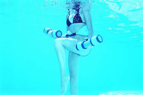 come rassodare l interno delle braccia gli esercizi in acqua per rassodare l interno braccia