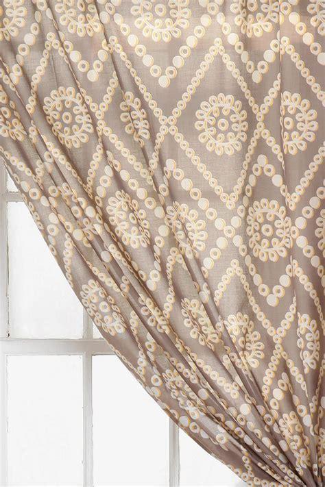 neutral eyelet curtains best 25 neutral eyelet curtains ideas on pinterest
