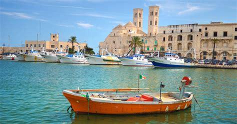 port of bari italy vakantie bari jovia