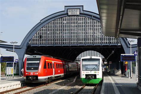 side by side geräte eisenbahn kurier vorbild und modell th 252 ringen 70 mio