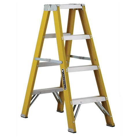 werner 4 ft fiberglass step ladder with 250 lb load step