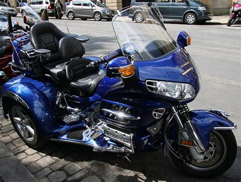 honda goldwing 3 wheel a expensive conversion