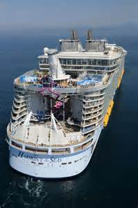 largest cruise ships photos a look inside the world s largest cruise ship with