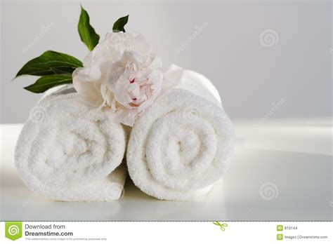 imagenes de toallas blancas spa towels with flower stock photo image of fragile